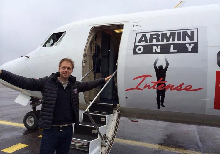 Armin+van+Buuren+aircraft