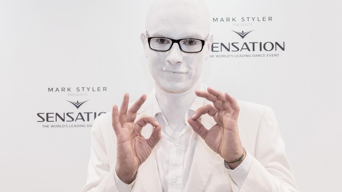 main_white