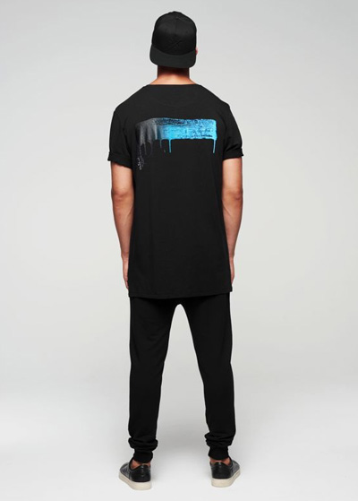 34_mens_grandpiano_signature_long_tee_black_0012_1