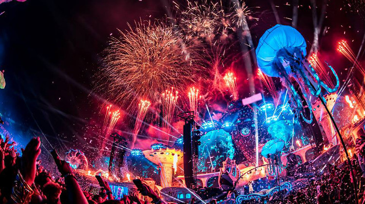 0727_News_TomorrowlandLIVE