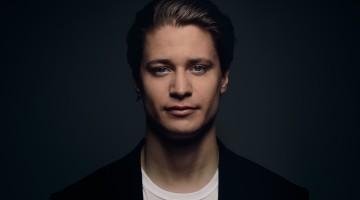 カイゴ_アーティスト写真2018(c)JohannesLovund_Fotor