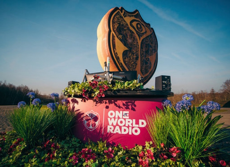 01_tomorrowland-one-world-radio-ravejungle